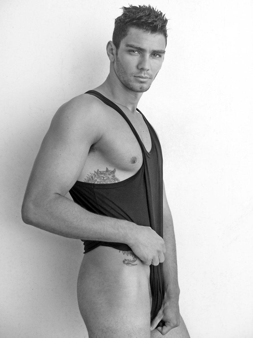 O modelo Alan Sterque, 21, é a nova aposta da Ragazzo Model Management.
