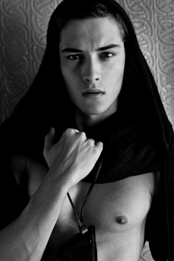 Francisco Lachowski @ L'Officiel Hommes China by Michelle Du Xuan 04