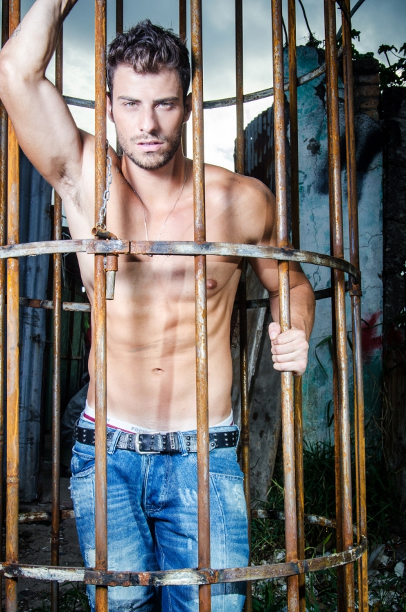 Lucas Malvacini @ A Capa #63 by Leo Castro 03