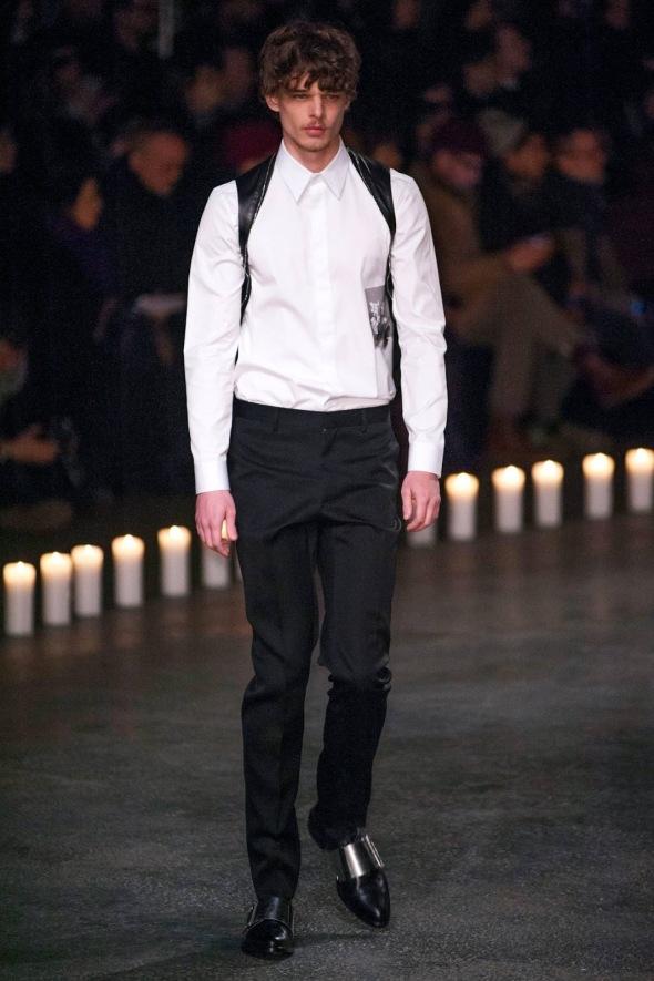 Andre Bona @ Givenchy Paris Prêt-à-Porter FW13