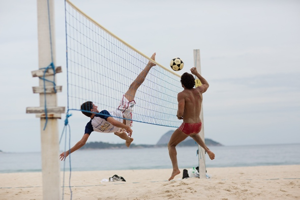 Foot Volley by Scott Schuman 02