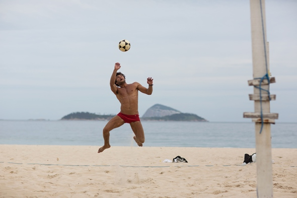 Foot Volley by Scott Schuman 03