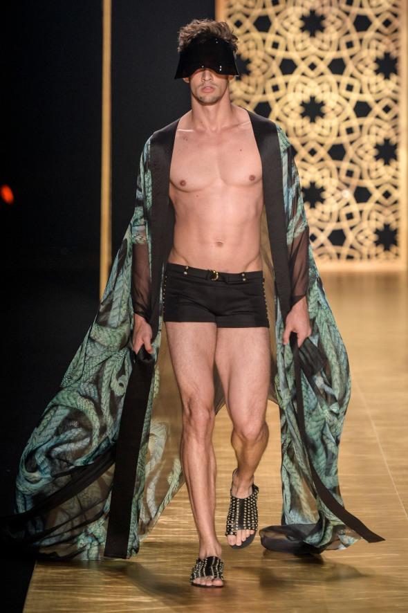 Victor Dzenk @ Fashion Rio FW14 04