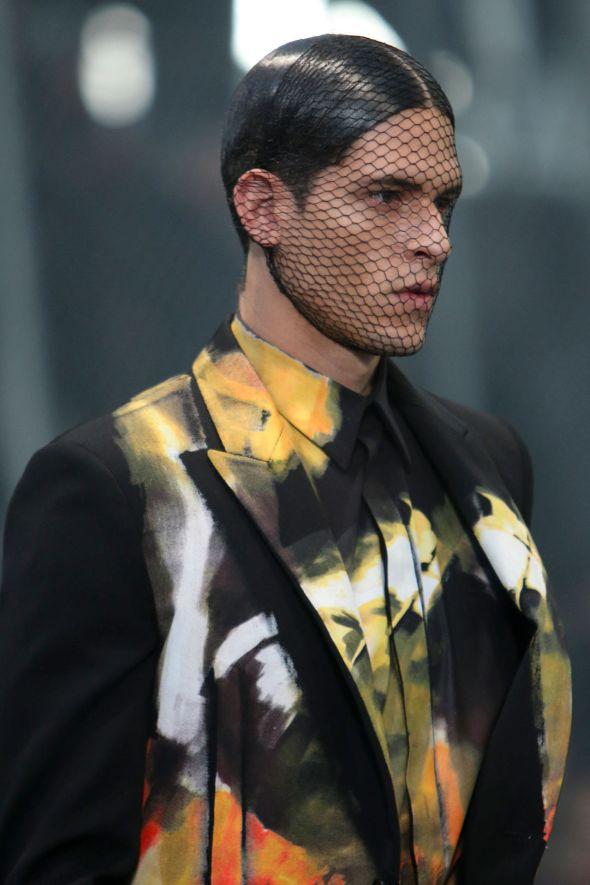 Givenchy @ Paris-Prêt-à-Porter FW14 02