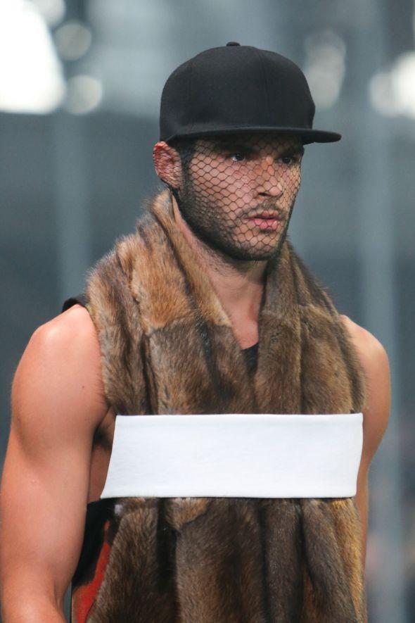 Givenchy @ Paris-Prêt-à-Porter FW14 03