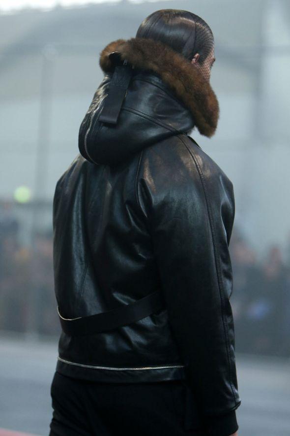 Givenchy @ Paris-Prêt-à-Porter FW14 09