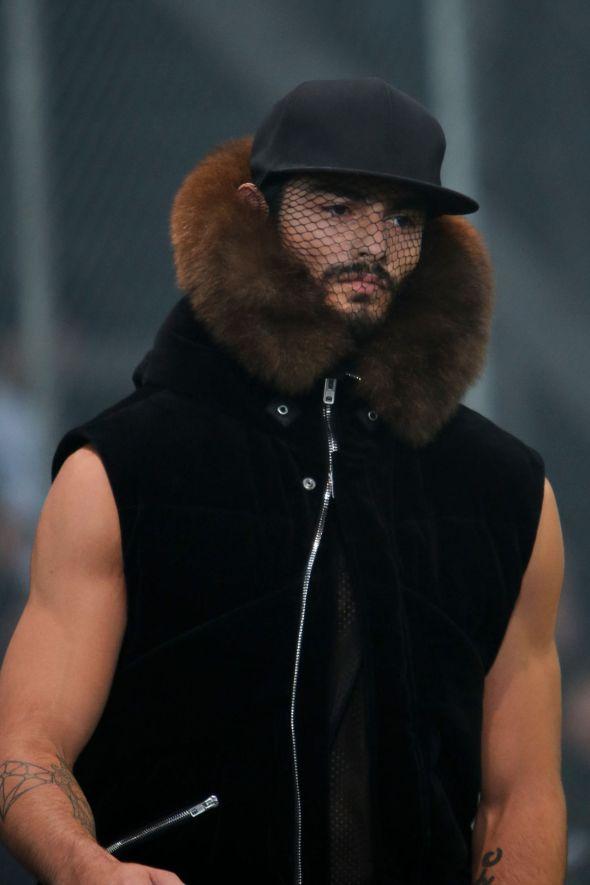 Givenchy @ Paris-Prêt-à-Porter FW14 10