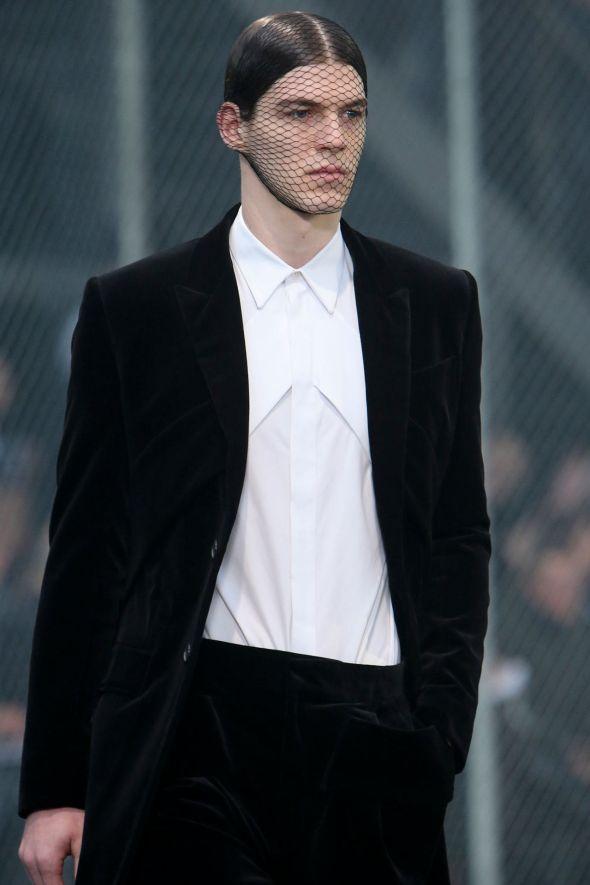 Givenchy @ Paris-Prêt-à-Porter FW14 11