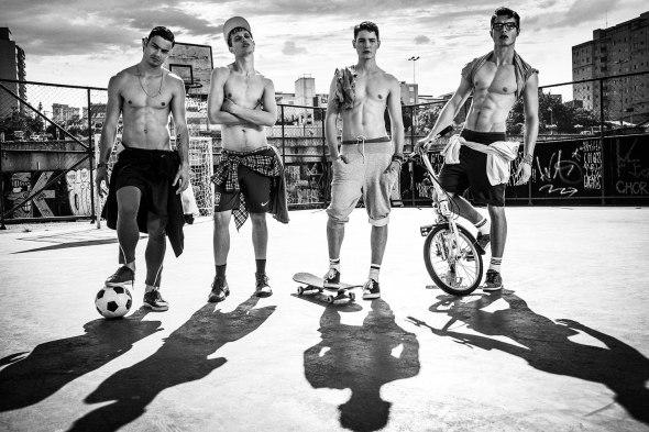 Rafael Desimon + Luís Coppini + André Bortolan + Fabrício Bach + Josué Wiese + André Kherwald @ Pulp Magazine by Gustavo Zylbersztajn 07
