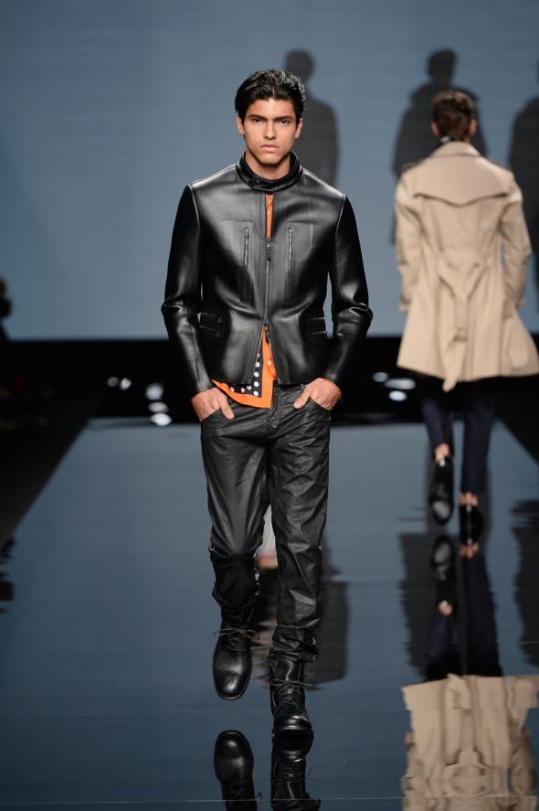 Guilherme Oliveira @ Ermanno ScervinoSS15 Milano Moda Uomo